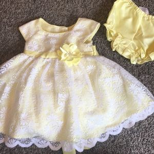 Baby girls yellow dress with matching bloomers